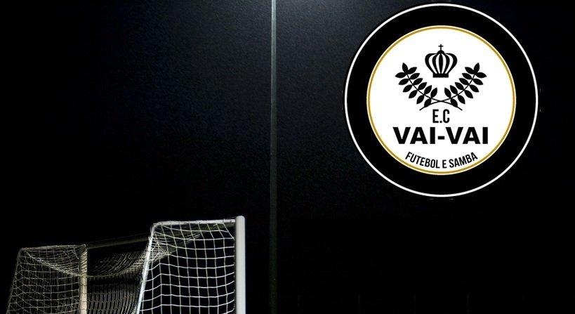 Tem uma escola de samba na liderança da Taça Paulista de futebol