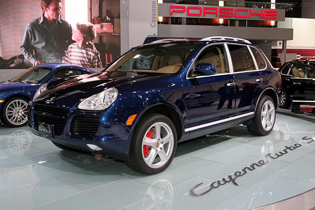 Great Car Wallpapers 2006 2007 Porsche Cayenne Turbo S Images