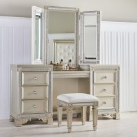 Makeup Vanity Tables: Functional but Fashionable Furniture