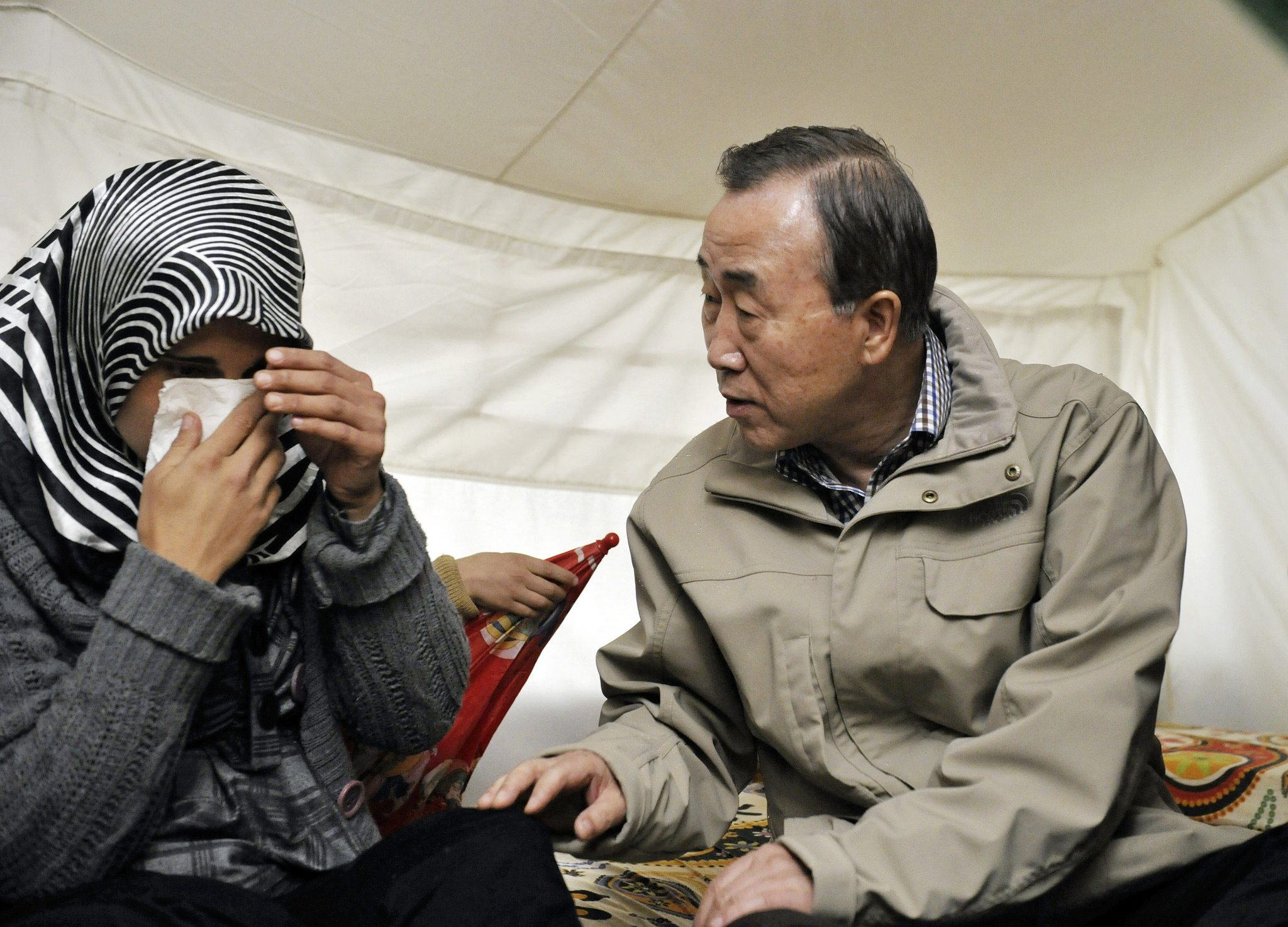 Photo: Secretary-General Visits Syrian Refugees in Turkey. Credit: UN Photo/Mark Garten.