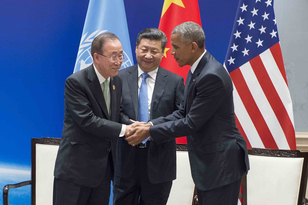 Photo: UN Secretary-General Ban Ki-moon shakes hands with China's President Xi Jinping and United States President Barack Obama at a climate change event in Hangzhou, China, on 3 September 2016. China and the US deposited their legal instruments for formally joining the Paris Agreement on climate change.