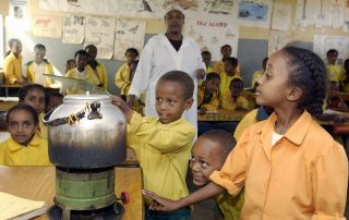 Children conduct a science experiment in a classroom in Harar, Ethiopia. UN Photo/Eskinder Debebe