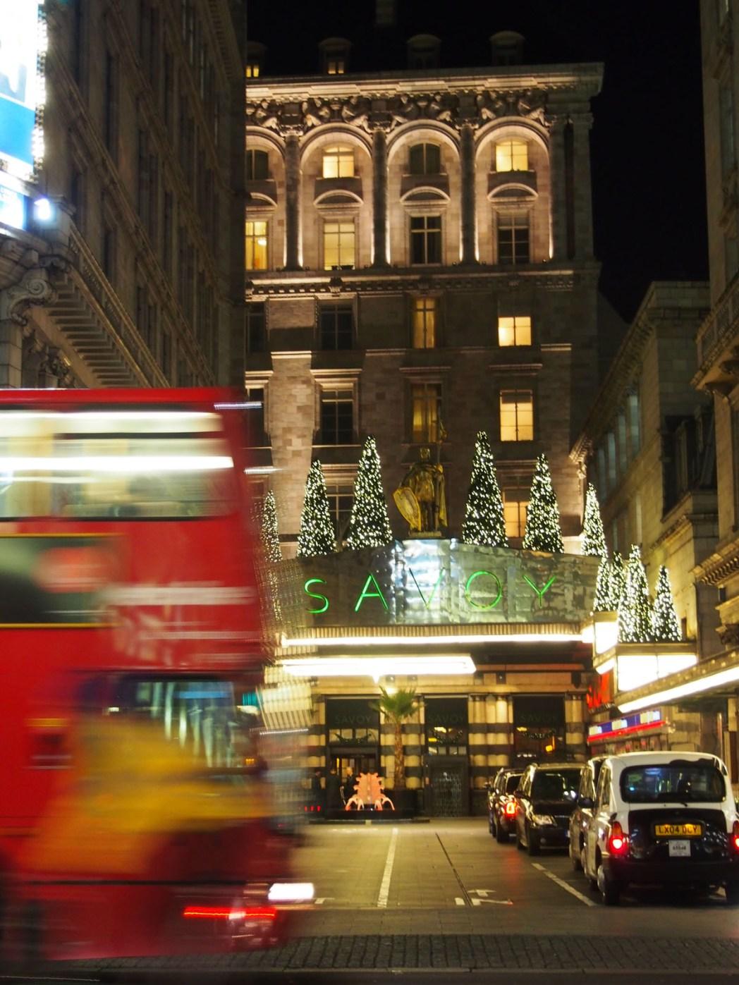 Donde tomar el afternoon tea en Londres Entrada Savoy