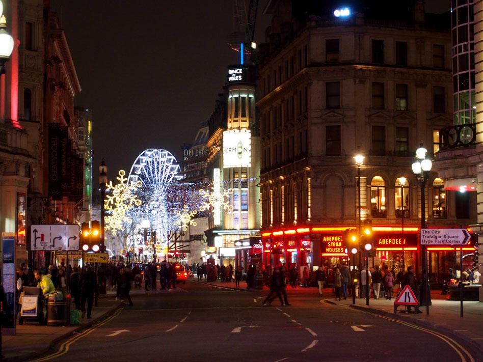Ruta iluminación Navidad Londres Leicester Christmas Market