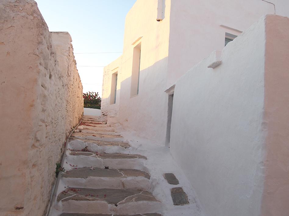 Sifnos en Grecia Artemonas calle