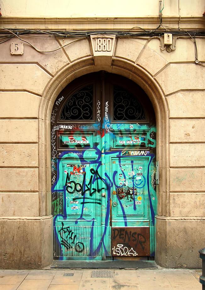 Un paseo genial por el raval grafiti