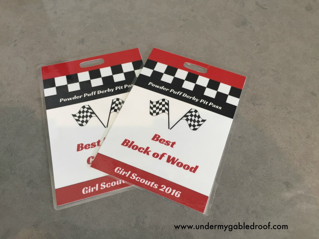 Putting together a Pinewood Derby or Powder Puff Derby and need award ideas? Come check out these fun and budget friendly race themed awards to use at your next Boy Scout Pinewood Derby or Girl Scout Powder Puff Derby.