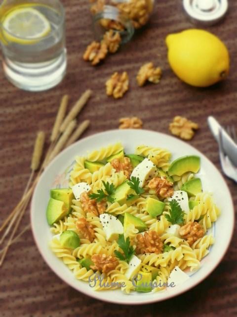 Salade-pâtes-mozzarella-avocat