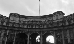 A photo of the Admiralty Arch - London, England