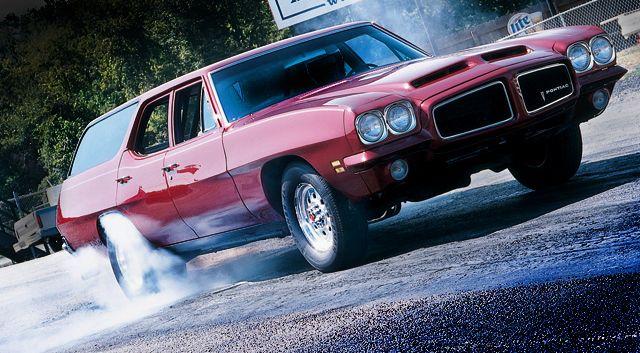 1971 Pontiac LeMans Wagon doing a burnout on the drag strip