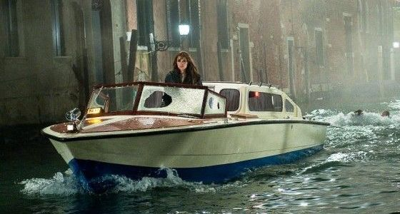 travelling to venice the tourist angelina jolie speedboat
