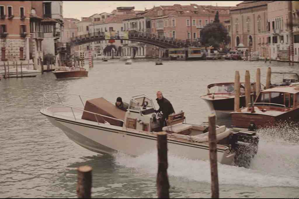 travelling to venice the italian job speedboat chase