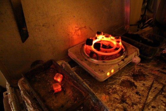 Coconut-Charcoal-Burning-Shisha