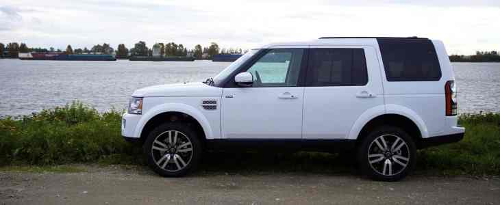 2015_Land_Rover_LR4_Discovery_Review