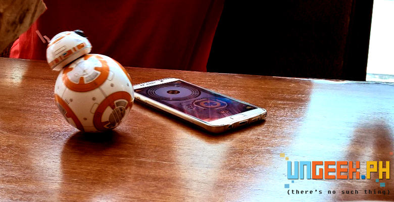 BB-8 in motion and running towards...the Pinakbet. :D