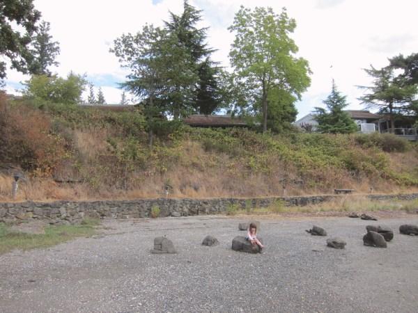 10 gwen on the rocks
