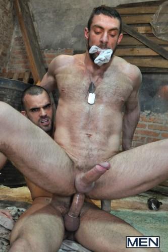 gay_military_men_naked