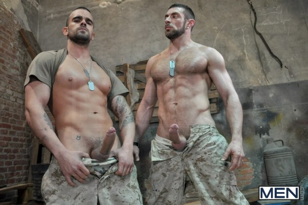 muscle_army_military_men_naked_horny_gay_sex_out_uniform_males