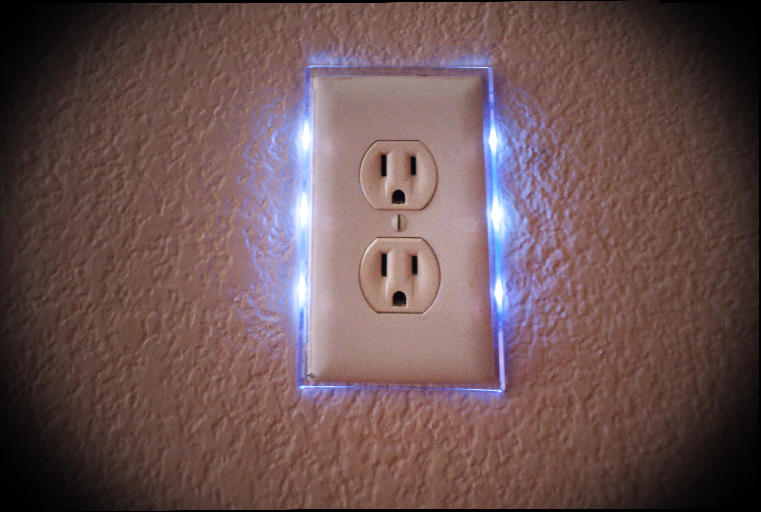 Electrical Outlet/Nightlight Combos