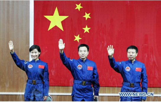 Chinese taikonauts (from left) Liu Yang, Jing Haipeng and Liu Wang. Credit: www.news.cn