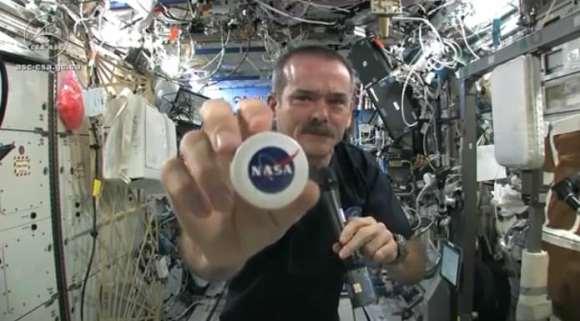 Screenshot of Chris Hadfield showing the NASA washcloths.