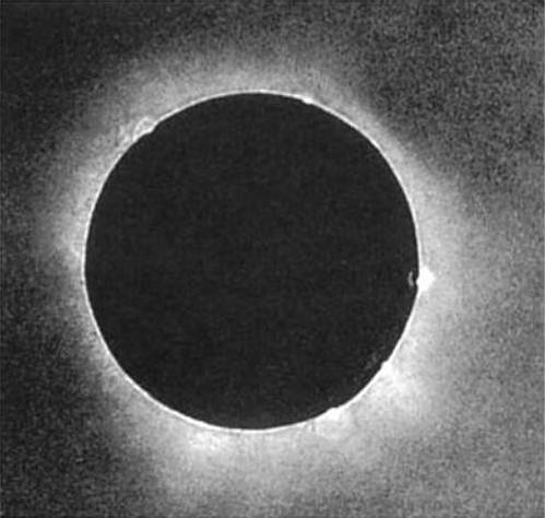 A daguerreotype image of the 1851 eclipse captured by Berkowski of the  Royal Observatory in Königsberg, Prussia. (Public domain image).
