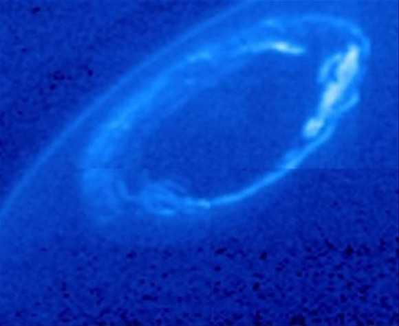 An aurora around Saturn's north pole in 2013. Credit: NASA/ESA/University of Leicester and NASA/JPL-Caltech/University of Arizona/Lancaster University