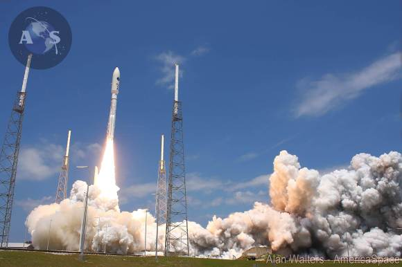 Blastoff of the Atlas V rocket with the super secret NROL-67 intelligence gathering payload on April 10, 2014 from Cape Canaveral Air Force Station, Fla.     Credit: Alan Walters/AmericaSpace
