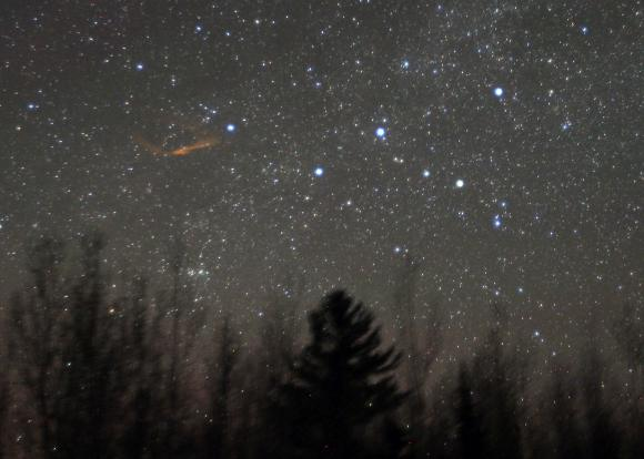2.5 minute time exposure showing the persistent train left by a near-fireball brightness Camelopardalid meteor. The five bright stars form the familiar 'W' of Cassiopeia. Credit: Bob King