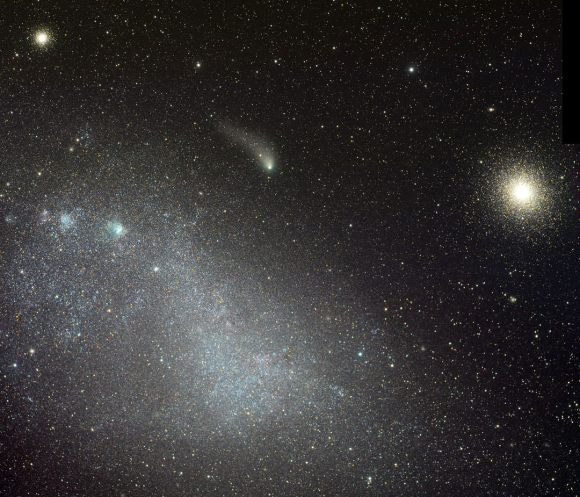 Comet C/2013 A1 Siding Spring passed between the Small Magellanic Cloud (left) and the rich globular cluster NGC 130 on August 29, 2014. Credit: Rolando Ligustri