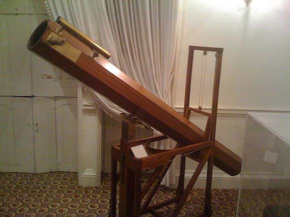 A replica of the telescope which William Herschel used to observe Uranus. Credit: