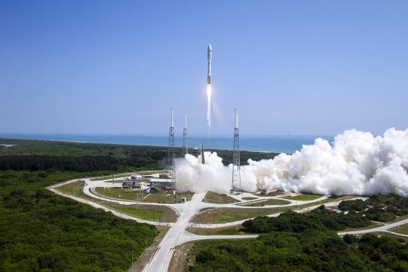 A United Launch Alliance (ULA) Atlas V rocket successfully launched the AFSPC-5 satellite for the U.S. Air Force at 11:05 a.m. EDT today, Wednesday, May 20, 2015 from Space Launch Complex-41. Credit: ULA