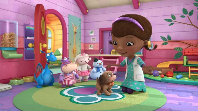 """DOC MCSTUFFINS - """"Fetchin' Findo"""" - Doc McStuffins opens a new veterinary practice in her backyard clinic where she treats stuffed animals and toys -- in a """"Doc McStuffins"""" programming event for kids age 2-7 that will highlight care and responsibility for pets. The multi-episode story arc, """"Doc McStuffins: Pet Vet,"""" presented in collaboration with the ASPCA (The American Society for the Prevention of Cruelty to Animals(r)), Solid Gold Holistic Pet Food and Nationwide, begins FRIDAY, AUGUST 14 (9:00-10:00 a.m., ET/PT) on Disney Channel and WATCH Disney Junior. Additional pet-themed episodes of """"Doc McStuffins"""" will roll out on Disney Channel, Disney Junior and WATCH Disney Junior. (Disney Junior) STUFFY, HALLIE, LAMBY, CHILLY, FINDO, DOC"""