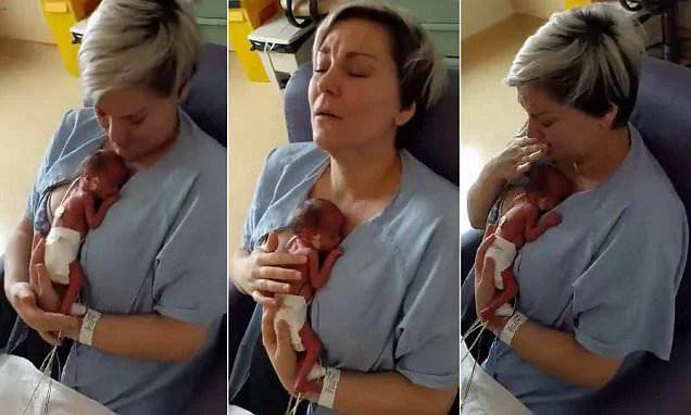 """Il primo """"contatto"""" di una mamma con il figlio nato prematuro (VIDEO)"""