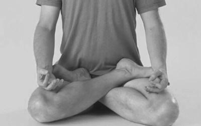 Conheça a Posição de Lótus ou Padmasana do Yoga