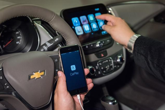 Apple CarPlay Chevrolet 2016