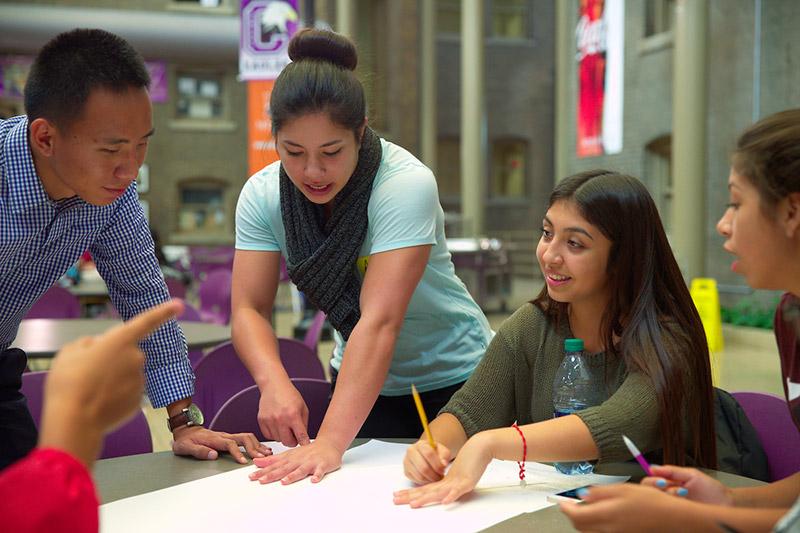 NoyceSCIENCE Summer Internships Available News University of