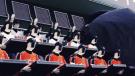 Robots fans en las tribunas