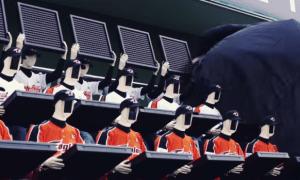 robot-baseball-fans_unpocogeek.com
