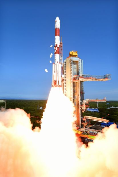 india_lanzamiento_de_20_satelites_1_unpocogeek.com