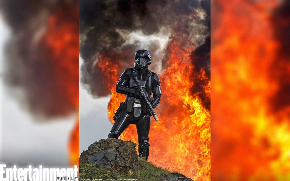 Un Deathtrooper con mucho fuego detrás