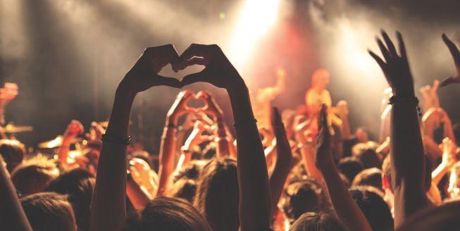 concert-hearts1