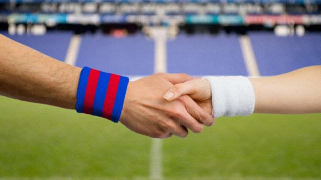 close up handshake of spanish match between Barcelona and Madrid
