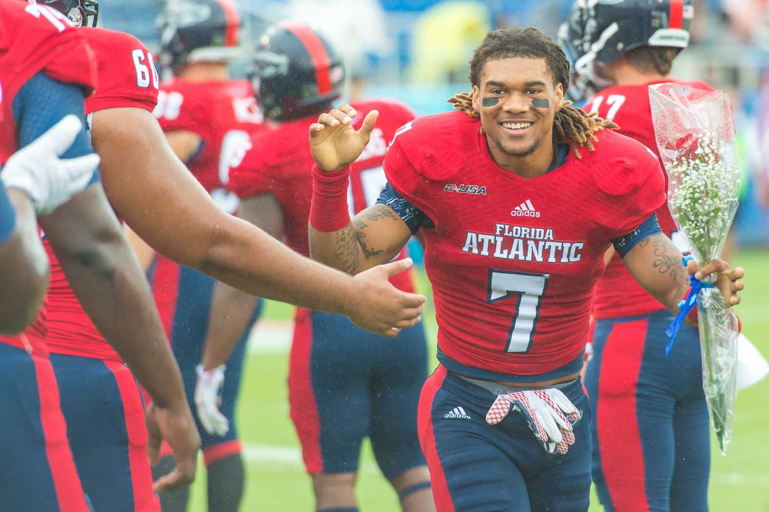 Football: Five FAU players sign NFL contracts