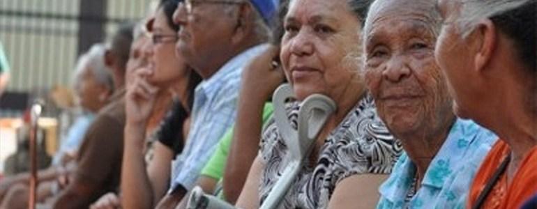 Corte hunde ley que reducía aportes de salud de pensionados