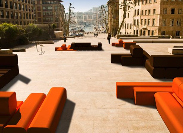 Colorful modular indoor outdoor furniture maison et objet for Objet design decoration maison