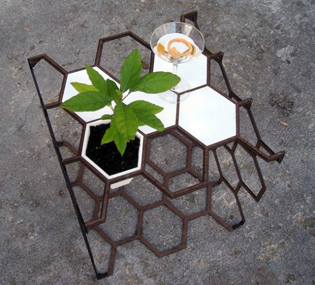 honeycomb_gardening_system_01