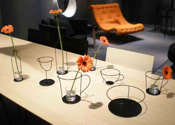 Oki-Sato-wire-vase-collection614px