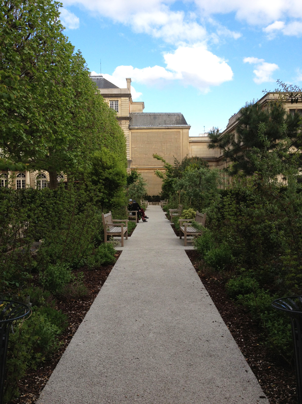 paris-archives-national-gardens-walk-urbangardensweb