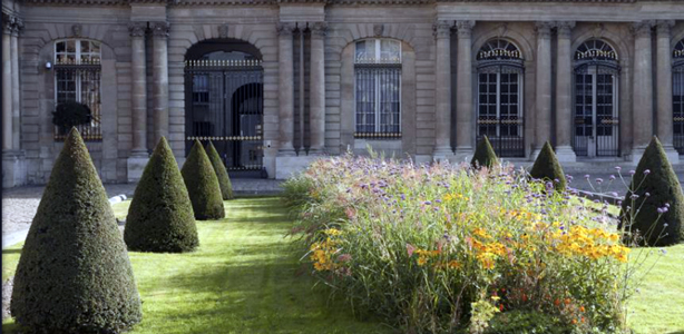 paris-archives-nationales-gardens-architect-urbangardensweb